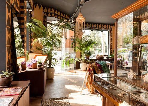 Marché noir le salon de thé est ouvert tous les jours de 8h à 22h