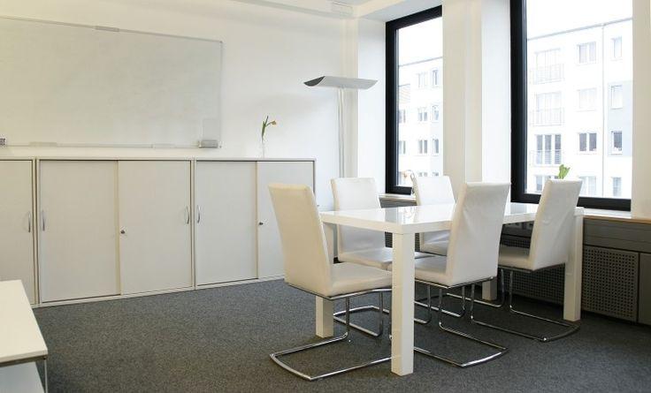 Offene Plätze in schönem, hellem Büro in Winterhude #Büro, #Bürogemeinschaft, #Office, #Coworking, #Hamburg