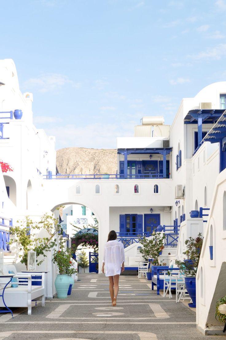 Perissa, Santorini | White and blue hotels