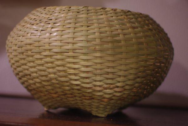 沖縄の竹細工の銭ディール。きれいだ。