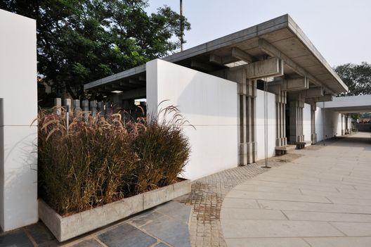 Crematório Charity Trust / Mancini Enterprises (Coimbatore, Tamil Nadu, Índia) #architecture