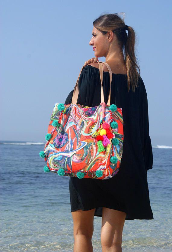 Pompom Tote bag/Tassels bohemian bag/Summer beach bag/Weekend pompom bag/Festival pompons bag * HONOLULU Pompom BAG | Floral bags, Handmade bags, Bags