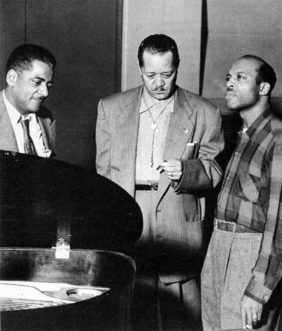 Teddy Wilson (left) Lester Young (middle)