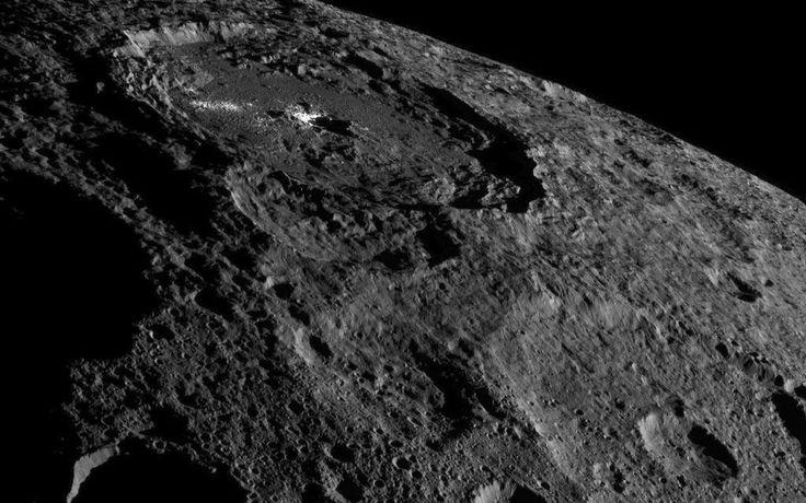 Une découverte fortuite renforce l'attrait scientifique pour Cérès. La présence de poussières exogènes à la surface de la planète naine, par ailleurs le plus gros objet de la ceinture principale,...