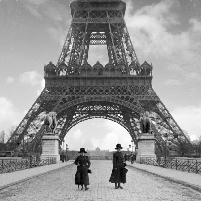 PARIS 1900 #bw @blackwhitepins