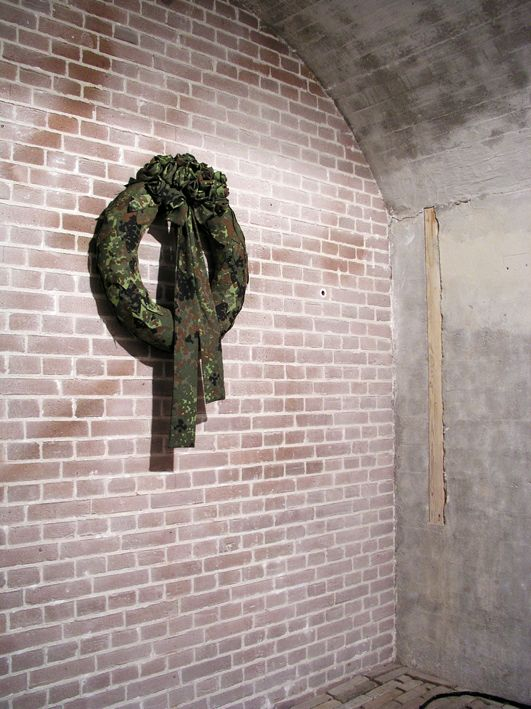 Krans made by Guda Koster Camouflage, army, textile, sculpture www.gudakoster.nl