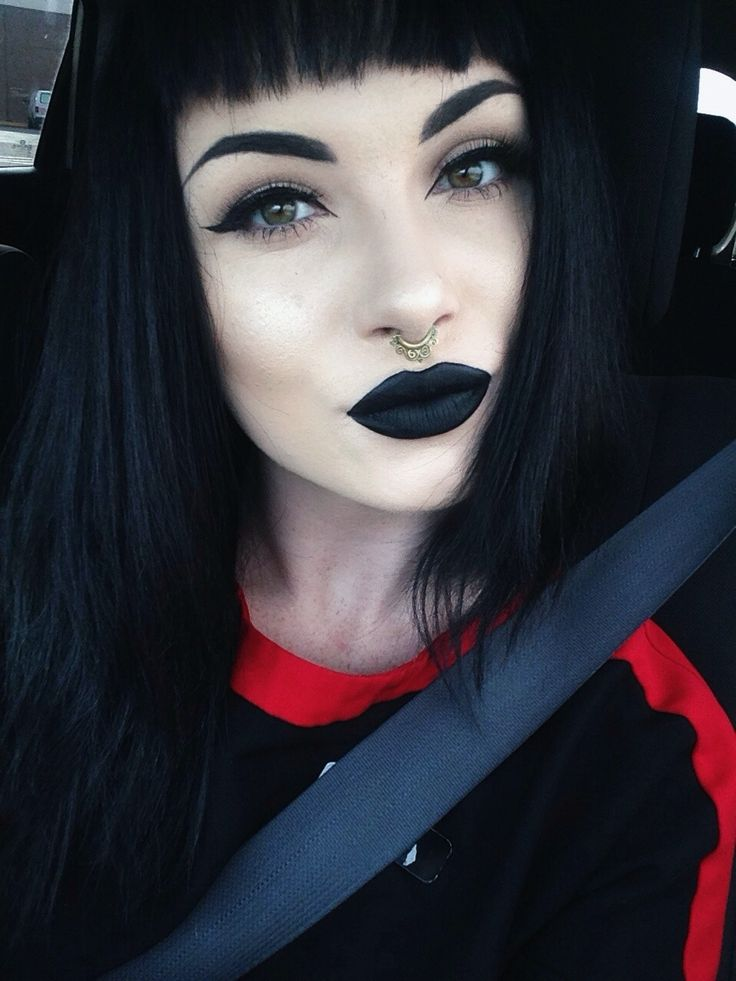 "kennakittymeow: ""I feel more confident with a black lip. """