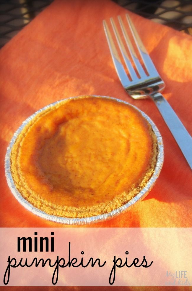 mini pumpkin pie! Made with purchased graham cracker crusts, this mini ...