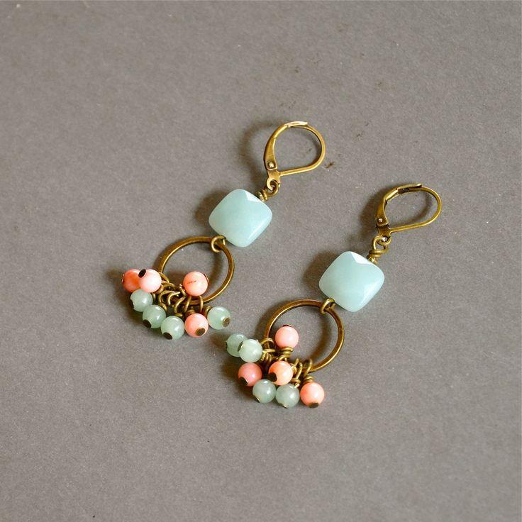 """Boucles d'oreilles fantaisies """"Emyline"""" pierres fines roses et bleues sur dormeuses : Boucles d'oreille par kanakeis"""