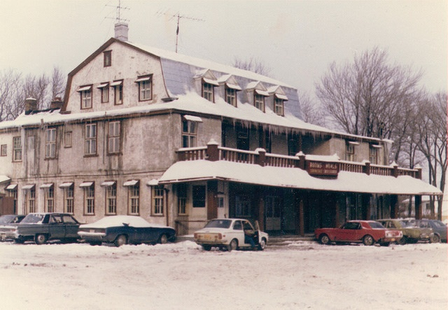 The Maples Inn, Pointe-Claire