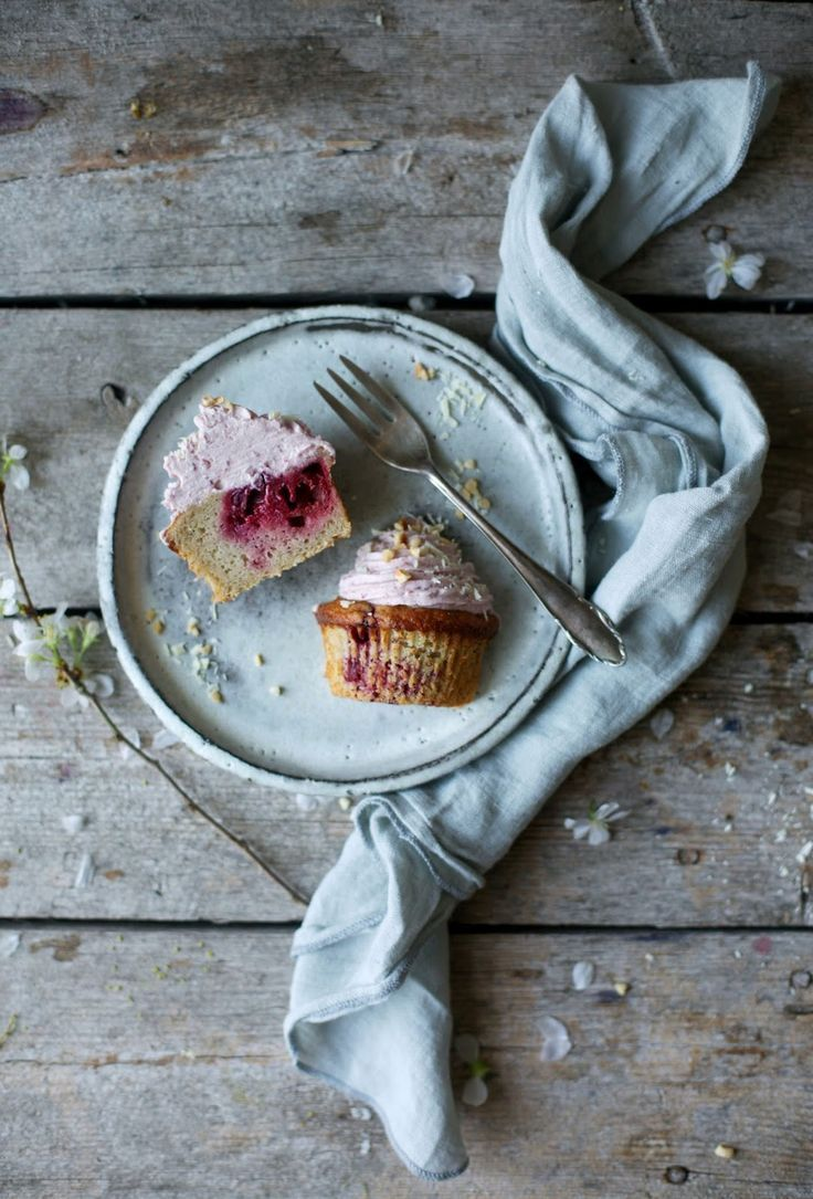 glutenfree banana-cherry-muffins with cherry-frosting (Our Food Stories)