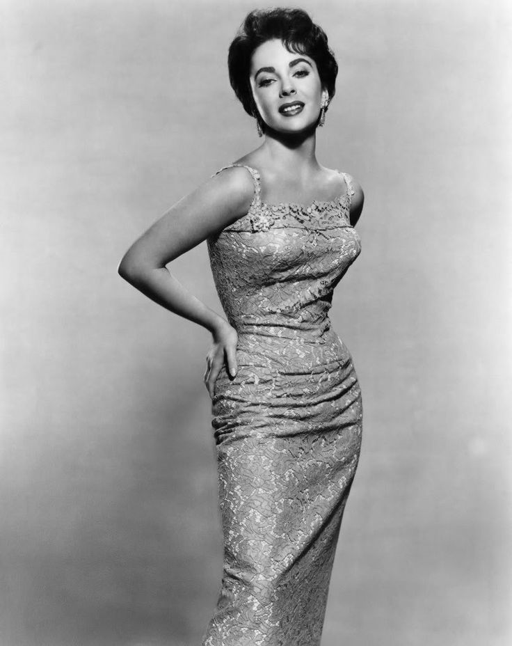 Elizabeth Taylor -  HOW MOVIE STARS SHOULD LOOK TODAY!  (ESPECIALLY FOR THE PRICES WE PAY TO SEE THEM AT THE MOVIES!)