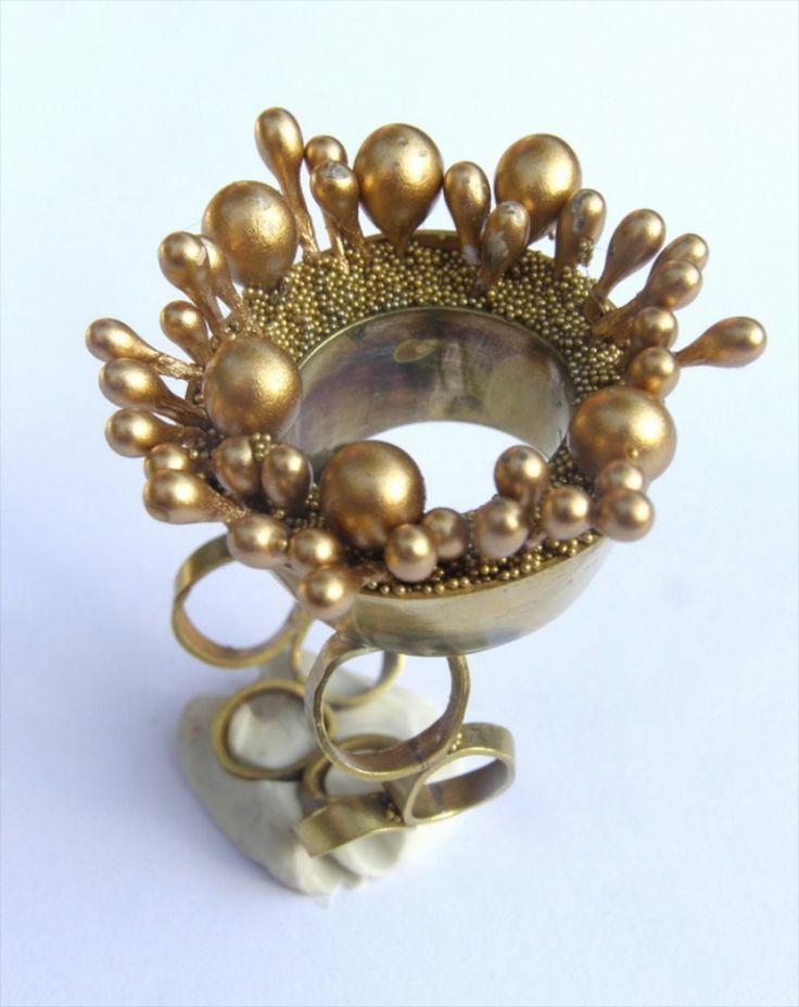Alina Carp  ring