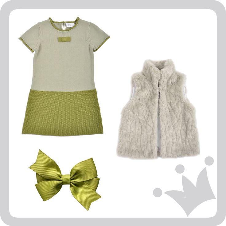 ¡Look del día! Un grupo campestre que combina varias tonalidades de verde, con accesorios y complementos como este chaleco vest en imitaciones de pelaje animal. #epkmegusta