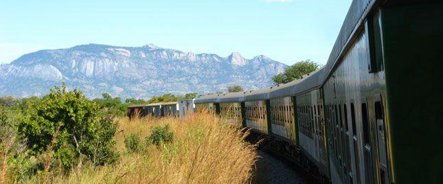 De comboio por Moçambique: de Cuamba a Nampula   Dobrar Fronteiras