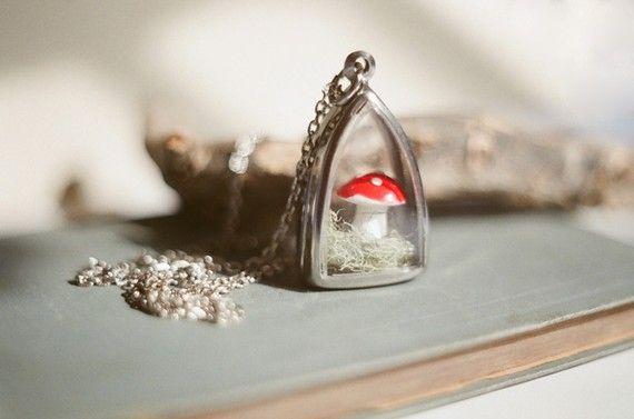 Little fairytale mushroom terrarium necklace.