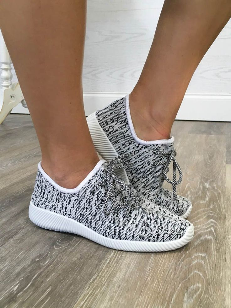 Hallie Knit Sneakers - Black/White