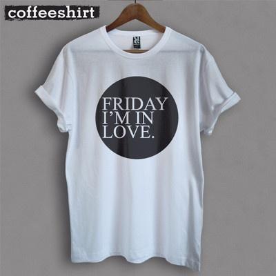 """Spring 13 News! T-shirt """"Friday I'm in Love"""", 100% cotone, stampa diretta sul tessuto per un effetto supermorbido."""