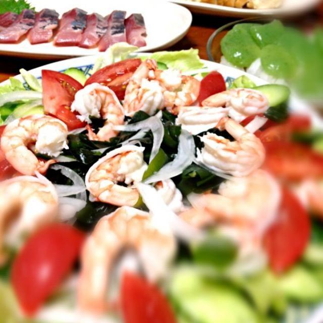 ハマチのお刺身、刺身ワカメのサラダ、さしみコンニャク…『ナマ』ではいかんのか?w - 0件のもぐもぐ - エビサラダ by LoveRyotaro