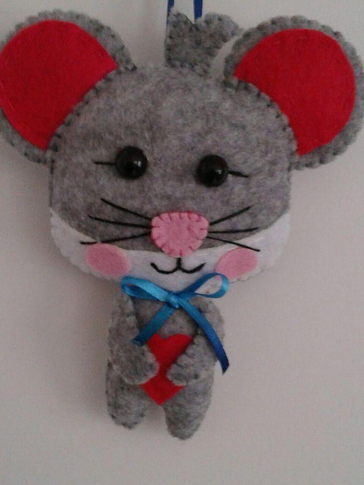 Ratón en fieltro