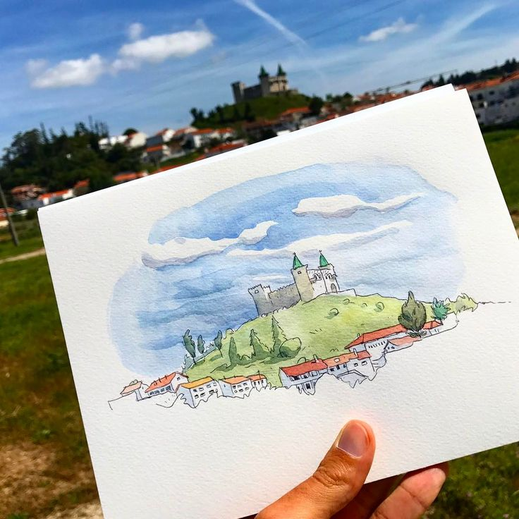 Porto de Mós castle, a short stop to sketch this cool-sky-disney-castle!