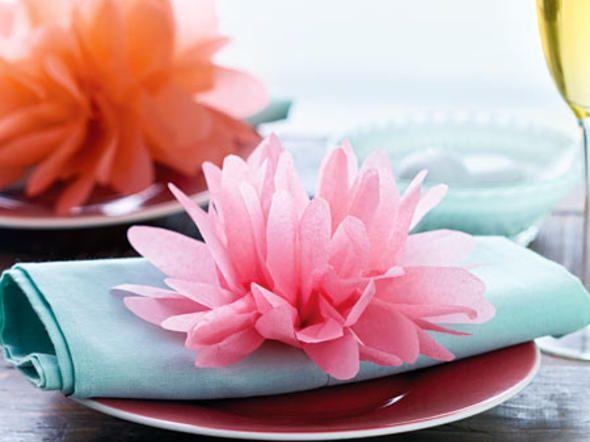 ber ideen zu papierblumen auf pinterest seidenpapier blumen papierblumen und riesige. Black Bedroom Furniture Sets. Home Design Ideas