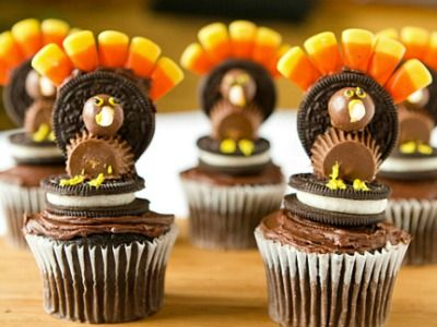 Thanksgiving turkey cupcakes decorated with reeses and oreos