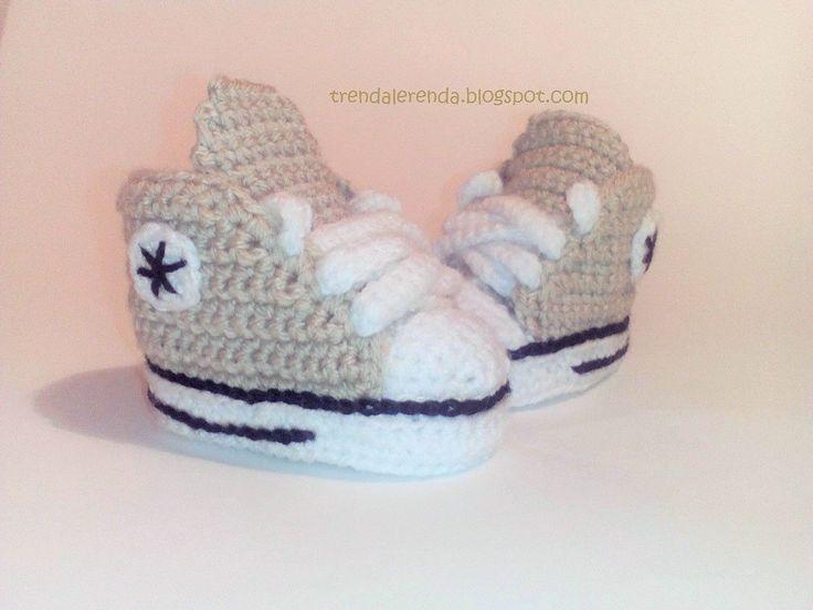 Patucos de crochet Converse All Star de bebé con CAJA de regalo incluída, en diversos colores y tallas. Zapatillas deportivas de bebé. de TrendaLerendaTL en Etsy