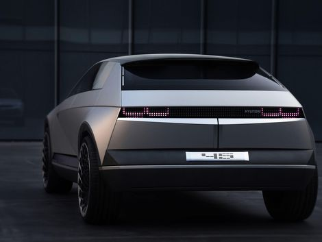 Byton's KByte sedan concept previews a pretty future in
