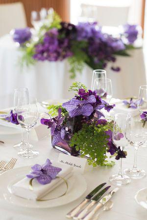 シンプルな濃淡カラーが爽やかでかわいい☆ パープルの会場装花のアイデア一覧。