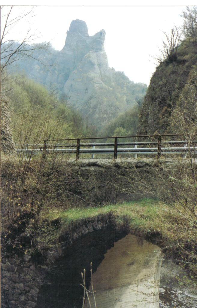 Castello Della Pietra (Vobbia): tutto quello che c'è da sapere - TripAdvisor