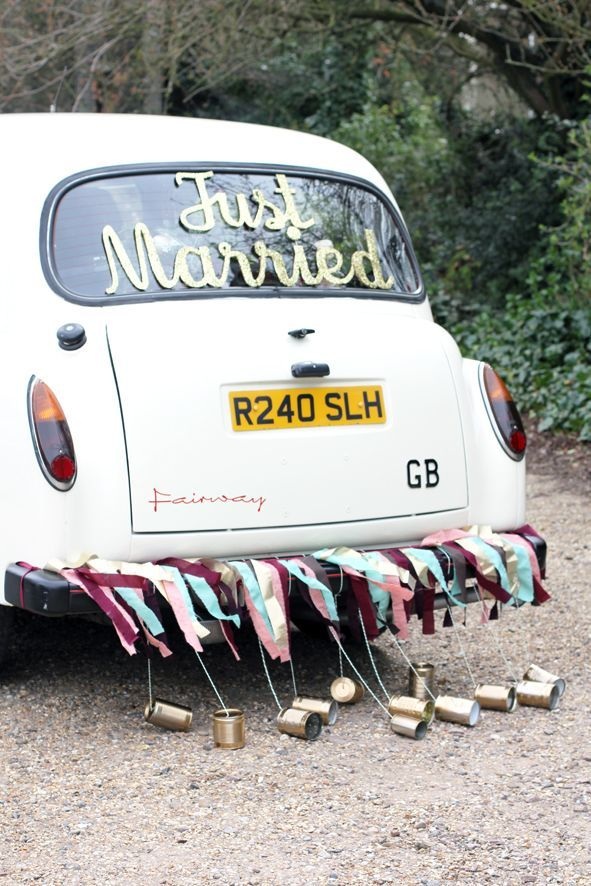 Getaway wedding car decorations ideas: