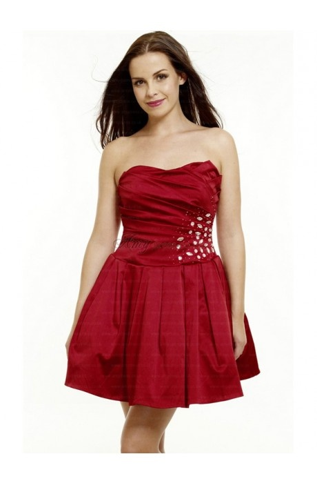 red dress #red #homecoming #cocktail #dresses