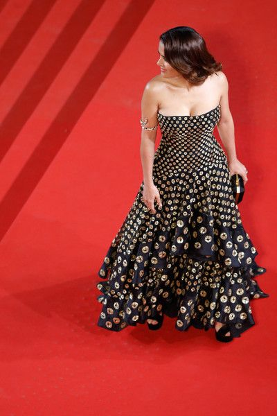 """Salma Hayek Photos - Salma Hayek attends the Premiere of """"Il Racconto Dei Racconti"""" (""""Tale Of Tales"""") during the 68th annual Cannes Film Festival on May 14, 2015 in Cannes, France. - 'Il Racconto Dei Racconti' Premiere - The 68th Annual Cannes Film Festival"""