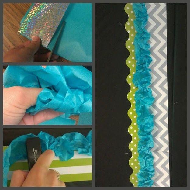 Utilice cinta como reborde del tablón de anuncios. | 36 Ingeniosas maneras de decorar tu aula con proyectos DIY