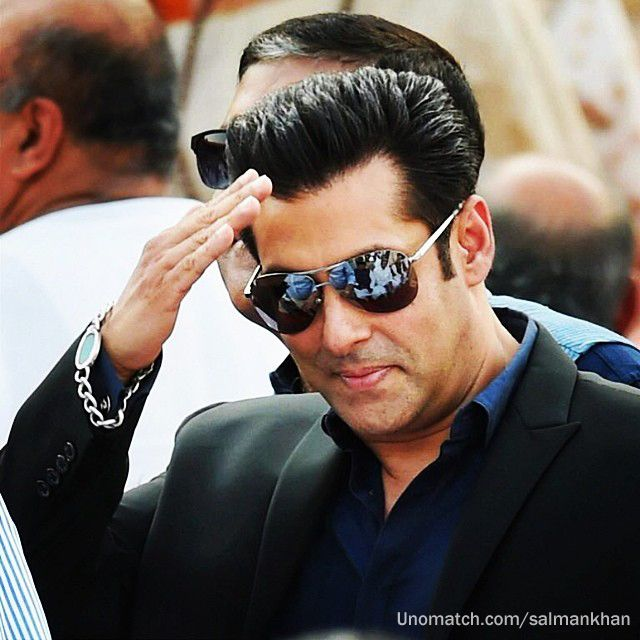 Salman khan http://www.sunglassesindia.com  to get more hd and latest photo click here http://picchike.blogspot.com/