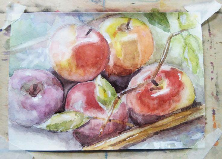 Яблоки акварелью на мольберте