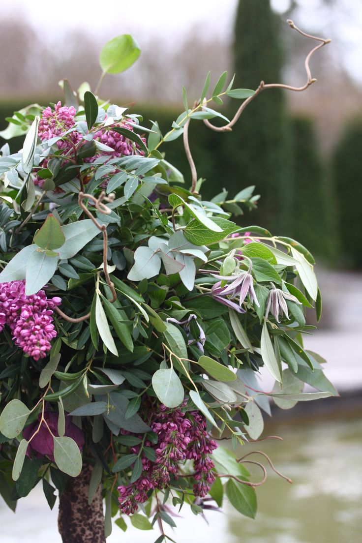 Floral trees are one of my favourite things to create, I love there nature wildness. This one is rammed full of Lilac, Hellebores and Clematis