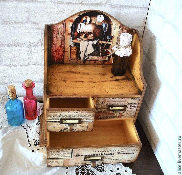 """Купить """"В поисках святого грааля"""" аптечный шкафчик - аптечка, для хранения, комодик, Шкафчик"""