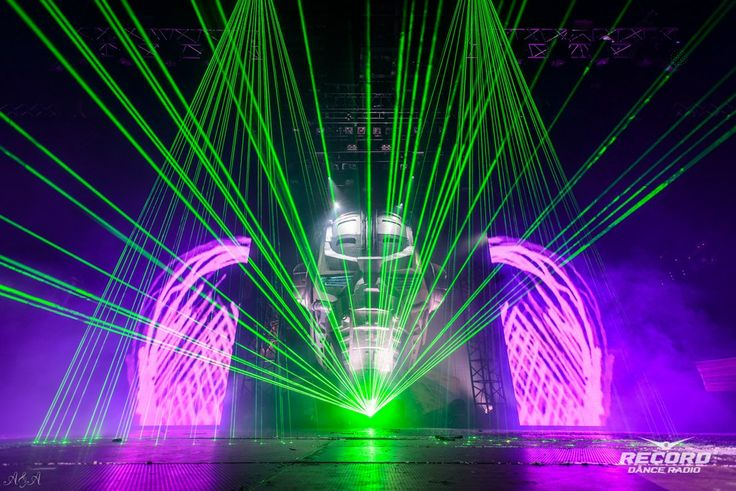 PIRATE STATION LOVE 17.10.2015  Moscow Stadium Live #lasershow #piratestation #moscow #dreamlaser
