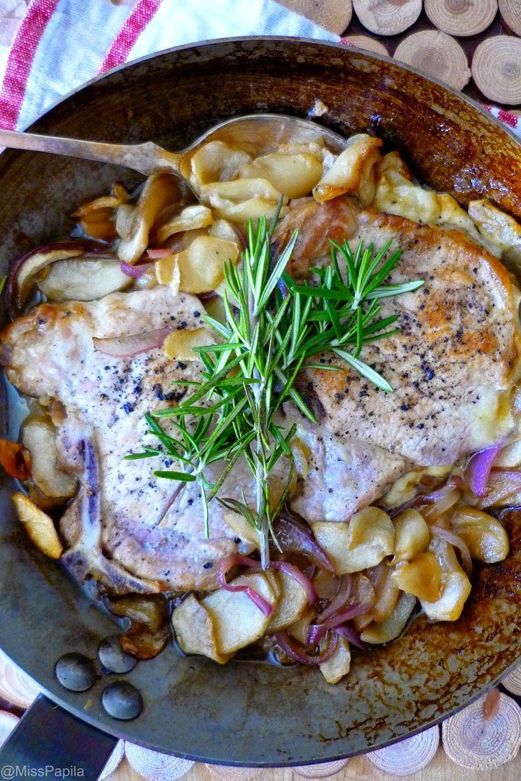 Côtelettes de porc aux pommes, cheddar et Calvados