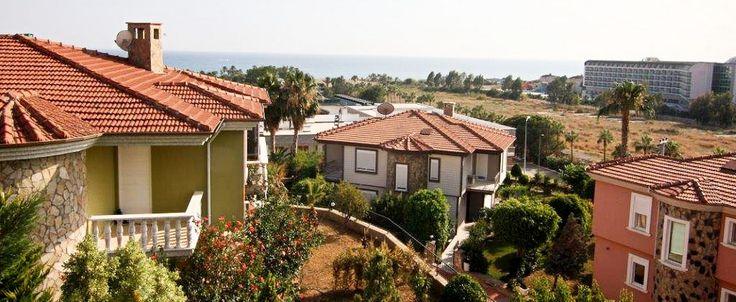 В одном из самых популярных комплексе Sharapsa Villa единственная ВИЛЛА в продаже.   Комплекс расположен в курортном посёлке Конаклы, на побережье Средиземного моря. Конаклы маленький городок для тихого, семейного отдыха в 10 км от развлекательного мегаполиса Аланьи.