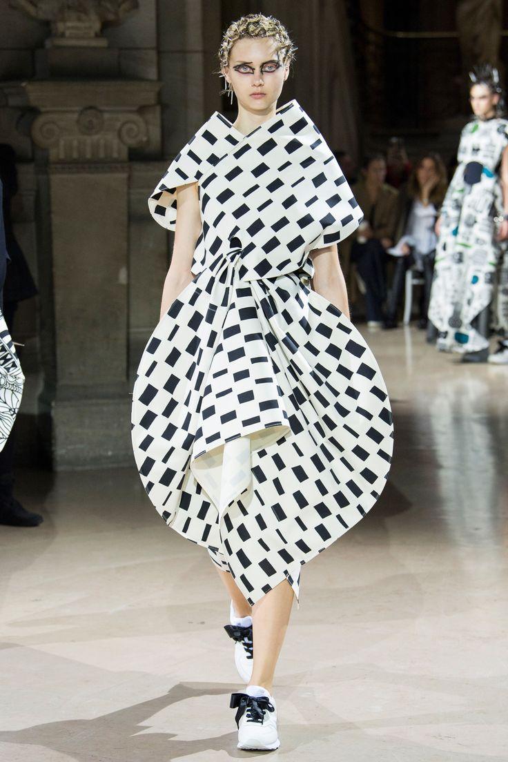 Junya watanabe spring 2018 ready to wear fashion show Good style fashion show cleveland