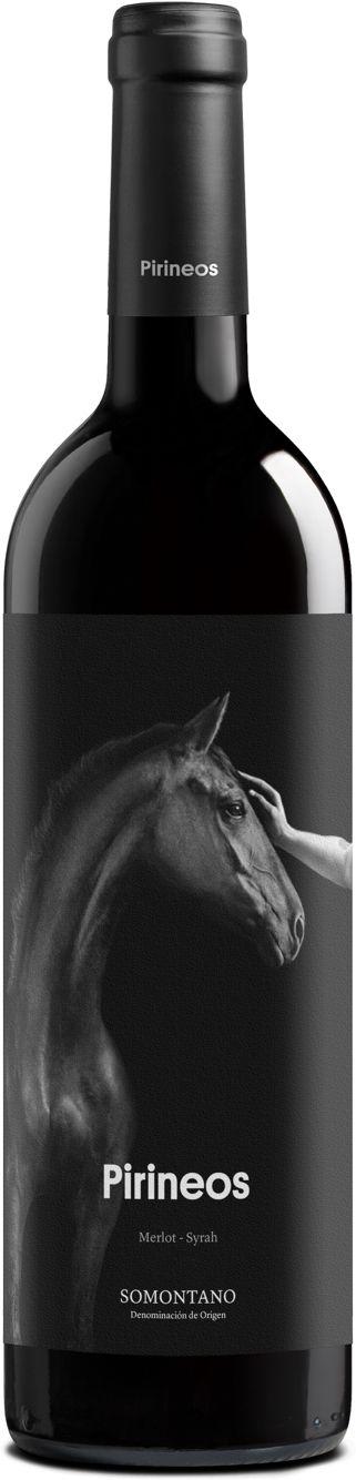 Bodega Pirineos. Fundadora del origen Somontano, y con el viñedo de secano más histórico, es el principal productor de las variedades autóctonas de uva Moristel y Parraleta. Sus marcas de vino (Montesierra, Pirineos, Señorío de Lazán, Marboré y Alquézar) constituyen un amplio portfolio de primera calidad Pirineos Tinto Roble, entre los mejores vinos de España según la Uec. #Winelovers, #eine, #vino