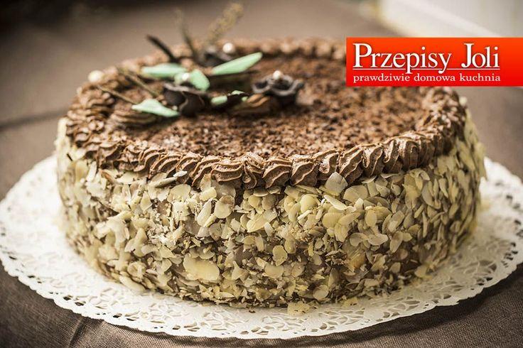 TORT JERZEGO POŁOMSKIEGO –ten tort powstał specjalnie dla Jerzego Połomskiego w ramach prezentu na jego 81 urodziny 🙂 TORT JERZEGO POŁOMSKIEGO Składniki: 8 jajek 250 g cukru pudru 250 g maku 1 łyżka miodu 60 g bułki tartej 1 laska wanilii (sam środek) 1 szklanka śmietany 36% 1 słoiczek kremu nutella (230 g) 1 serek …