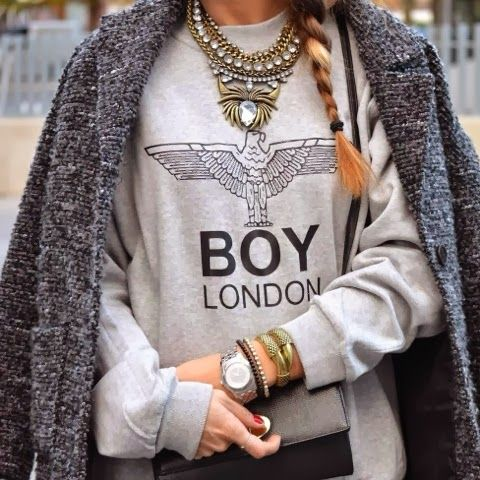 How to Chic: STATEMENT NECKLACE AND GREY COAT