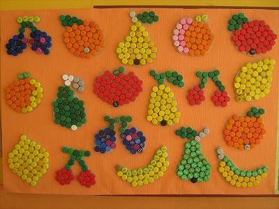 Ovoce z plastových víček