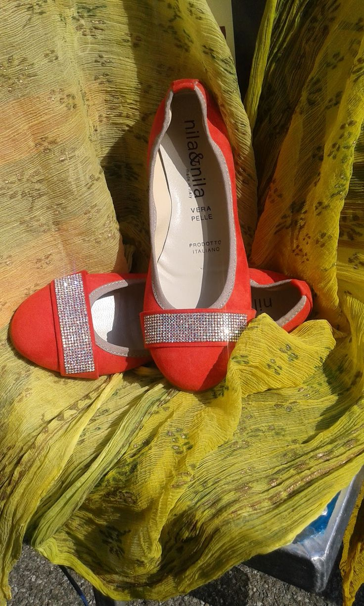 Ballerina con strass rosso corallo 33.90 euro
