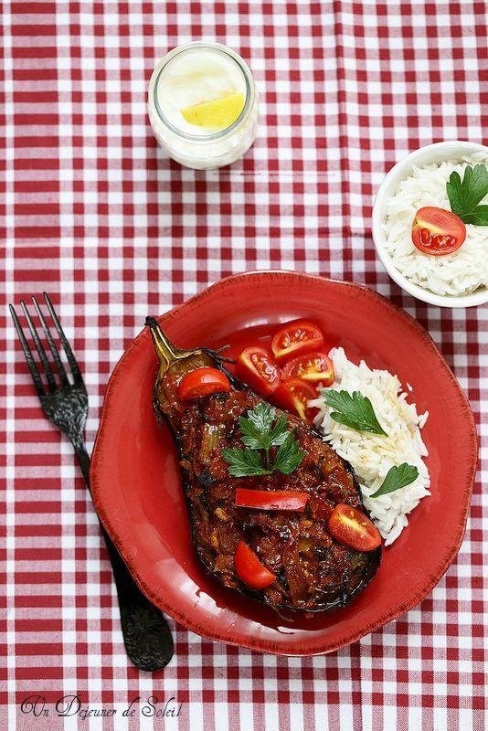 Un dejeuner de soleil: Aubergines farcies de viande à la turque (Karniyar...