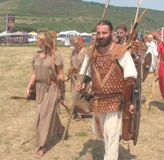 Dacian costumes